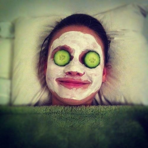 Favim.com-bed-crazy-cucumbers-facial-mask-funniset-picture-254265